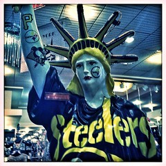 Statue of Sliberty (Marc_714) Tags: pittsburgh statueofliberty steelers marc714