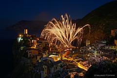 Vernazza fireworks (Maurizio Fontana) Tags: italy fireworks five liguria firework terre cinqueterre lands vernazza notte nigth cinque d800 allaperto fivelands nitghscape