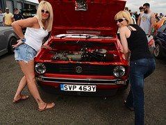 Di & Kate_8178 (Fast an' Bulbous) Tags: girl girls woman women blonde hot sexy vw volkswagen bugjam showshine show santa pod nikon d7100 gimp people outdoor