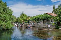 14 luglio 2016 - L'Isle sur la Sorgue (Provence) (marypink) Tags: lislesurlasorgue provence francia festanazionale boats sky clouds reflection water nikond5200 2470mmf28 river fiume