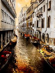 Venecia, Venice 011 (www.ignaciolinares.com) Tags: venecia venice venezia gondola canales sanmarcos feniche campanile ilduomo eldoge vaporetto veneto italia