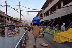 Morning rush (Connoisseur.Rohit) Tags: nikon d7200 bengaluru krcitymarket porter morningrush market mandi iamnikon iamd7200 india
