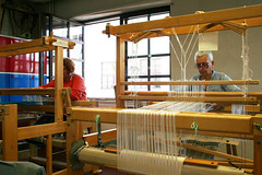 (RAIL REED & weaving) Tags: looms weaver weaving summercourses weavehackers