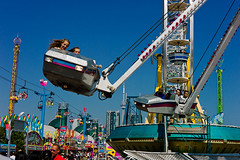 High Flyin' (sevres-babylone) Tags: leica toronto ex ride exhibition cne midway m9 zeisscsonnar50mmf15 120825154432cep72650