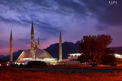 Faisal Mosque (Blue hour) (Usman Hayat) Tags: blue nikon mosque hour nikkor faisal hayat d800 islamabad usman 24120 uhayat
