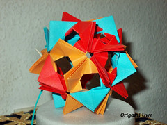 Arabesque - Floral Globe (UR Fleurogami) Tags: arabesque kusudama tomokofuse flowerball bltenball floralglobe