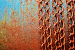 Chains (Tinina67) Tags: blue red abstract france texture metal chains rust colours tina challenge odc ourdailychallenge tinina67
