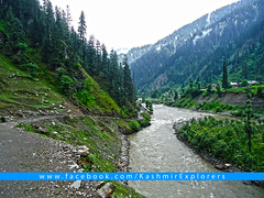KashmirExplorers-Kel-NeelumValley_rad (Kashmir_Explorers) Tags: road pakistan mountains green tourism nature beauty river woods heaven adventure explore valley kashmir kashmiri heavenonearth ajk azadkashmir neelumriver muzaffarabad neelumvalley kashmirexplorers