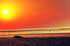 Atardecer Naranja / Orange Sunset (- Nimbus -) Tags: orange sun sol beach sand playa el arena momento instant naranja instante capturing xag capturando capturingtheinstant capturandoelinstante