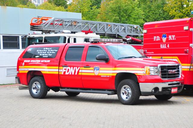 nyc newyorkcity ny newyork gm manhattan chief pickup pickuptruck sierra firetruck fireengine odyssey fdny gmc rooseveltisland 2500 firechief battalion 2500hd newyorkcounty battalionchief newyorkcityfiredepartment rescueoperationsbattalion