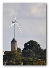 Les deux moulins.. (au35) Tags: moulin vent campagne eolienne deuxsevres deuxsvres moulinvent gatine neuvybouin