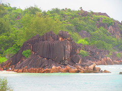 Curieuse (twiga_swala) Tags: ocean seascape beach nature rock landscape rouge island scenery paradise indian scenic granite tropical boardwalk pointe seychelles mangroves plage spiaggia formations granit granitic curieuse