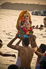 Immersion (Rakhi Rawat20 (Very busy)) Tags: people beach festival canon festive ganesha mumbai chowpatty ganeshachaturthi 1000d