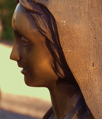 (i_sonni_sou) Tags: sculpture friedhof girl cemetery statue germany skulptur innocence schwarzwald blackforest mdchen unschuld girlface donaueschingen mdchengesicht