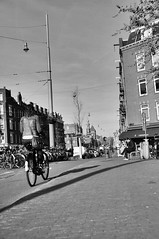 (Lorybusin) Tags: nikon viaje travel gente blancoynegro ciudad cityscape nederland holland citt biancoenero blackandwhite bicycle people street city