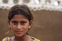 Indian beauty, Pokaran-Rajasthan-India (MeriMena) Tags: faces canon450d eyes beautiful merimena beauty rajasthan asia canon india portrates travel