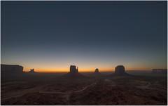 Monument Valley 0024 (Ezcurdia) Tags: monumentvalley utah arizona usa eeuu navajo tsebiindisgaii limolita navajotrivalpark johnfordpoint