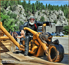 Aug 8 2016 - A bear of a man in Keystone SD during Sturgis rally (lazy_photog) Tags: lazy photog elliott photography keystone south dakota wood carvings sturgis motorcycle rally black hills classic carved cam lag glutard cambo 080816sturgisdaythree