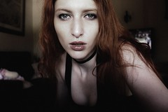 #335 of 365 days - To be endlessly cold within and dreaming I'm alive. (Ruadh Sionnach) Tags: portrait retrato self selfie pessoa mulher woman ruiva cooper cobre laranja blue blueeyes eyes gothic goth celtic pagan witch witchcraft bruxa bruxaria paganismo paganism