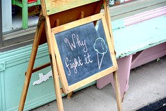 Canada 2016  Guelph  Why fight it? (Michiel2005) Tags: bord sign icecream ice ijs ijsco guelph ontario canada