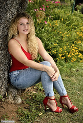 samantha_DSC1057modfirma (manuele_pagani) Tags: curly hair blond teen girl portrait outdoor jeans red