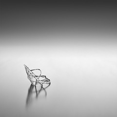 The Chair (DavidFrutos) Tags: longexposure bw seascape water monochrome square landscape monocromo agua paisaje bn alicante filter le silla lee chase minimalism minimalismo canondslr hitech 1x1 torrevieja filtro largaexposicin filtros neutraldensity canon1740mm gnd8 graduatedneutraldensity densidadneutra davidfrutos 5dmarkii niksilverefexpro