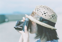 Mamiya 6 Girl (blackteaj.justice) Tags: film carlzeiss 35m fujicolorpro400h contaxrx  planart1485