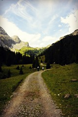 iffigenalp (me, paolo and the seven wonders + two) Tags: schweiz suisse svizzera sentiero alpi montagna oberlandbernese