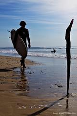 Surfer (Patrick KAAS) Tags: ocean mer france eye art st les canon french one frankreich surf shot surfer kunst bordeaux patrick surfing atlantic sur biarritz kaas plages girons