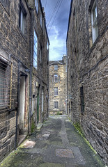 "Alley in Edinburgh • <a style=""font-size:0.8em;"" href=""http://www.flickr.com/photos/45090765@N05/8027448512/"" target=""_blank"">View on Flickr</a>"