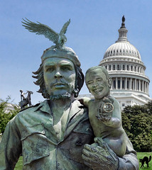 OBAMA & CHE GUEVARA: hasta la victoria siempre! (The PIX-JOCKEY (visual fantasist)) Tags: portrait usa man monument statue photoshop washington election child eagle joke president whitehouse cuba fake scene humour photomontage chop che grenade obama guevara capitolhill fotomontaggi robertorizzato pixjockey