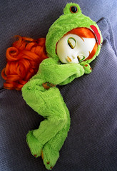 Froggy (Rosse86) Tags: sleeping big eyes doll closed frog suit groove pullip limited exclusive froggy kigurumi pullipstyle