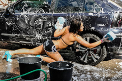 Car Wash avec les Ch'tis  Mykonos (Dubus Laurent) Tags: auto show party portrait sexy cindy water girl face car mobile dance nikon eau femme voiture carwash blond blonde animation kelly gogo fille chti brune dunkerque mykonos mousse spectacle laver modle wooman danceuse d90 chtis leschtisdbarquentmykonos leschtismykonos cindymykonos kellymykonos gogoshanelle