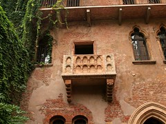 Juliet's Balcony Verona Italy (saxonfenken) Tags: windows italy balcony bricks verona julietsbalcony 699 twothumbsup friendlychallenges thechallengefactory verona9thoct 699house