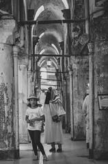Girl in Istanbul Bazar (mripp) Tags: portrait portrt art kunst istanbul bazaar trkei turkey handel poster street strase monochrom mono black white fuji xpro2 35mm child children muslim