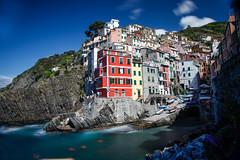 Riomaggiore (galleriaitalia) Tags: liguria 5terre borgo village italia italy sea blue riomaggiore