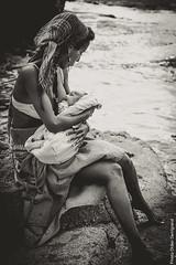 11_Yuna_1806 (darry@darryphotos.com) Tags: 85mm18d d700 femme girl nikon noiretblanc portrait yuna allaitement baby bebe blackandwhite bw female model modele nb photos seance shooting