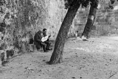 Lost (jcfasero) Tags: lost castelo bw blackwhite street sphotography sony a6000 lisboa portugal outdoor castillo castle san jorge