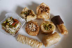 Al-Sham Sweets & Pastries (lulun & kame) Tags: sweets newyork america  newyorkcity  queens    usa  astoria  lumixg20f17