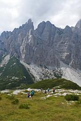 verso il Moschesin (Tabboz) Tags: montagna dolomiti sentieri cima vetta trekking boschi mugo rifugio panorama valle roccia nuvole