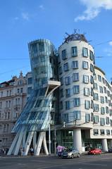 Casa danzante (F. Gehry) (Jos_92) Tags: arquitectura arte edificio gehry frank casa danzante tanc dm praga repblica checa