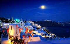 sweet night in Oia (mujepa) Tags: oia santorini nightshot vacation bluehour greece island santorin ile grce heurebleue nuit platinumheartaward