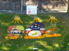 Frolicking Fruit (Stefan Peerboom) Tags: mosaic mosaics 2012 mozak fruitcorso mazaken