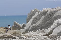 Harrizko zerrak / Sierras rocosas (Ainara Garcia) Tags: beach rocks playa euskalherria basquecountry rocas paísvasco zumaia hondartza haitzak flysch itzurun algorri