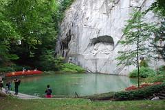 Lucerne - Dying Lion Monument (Löwendenkmal) & Pool Löwenstrasse 3 (Le Monde1) Tags: monument pool switzerland town nikon lion luzern dying altstadt lucerne canton vierwaldstättersee swissalps lakelucerne d60 löwenstrasse löwendenkmal riverreuss lemonde1