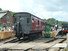 Havenstreet station (Richard and Gill) Tags: station train carriage vectis isleofwight sr steamrailway wight preservation iow southernrailway havenstreet 4145 isleofwightsteamrailway iwsr