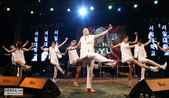 Gangnam_Style_PSY_32logo