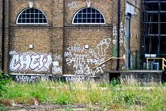 CHEW 10FOOT (KETCHUP DTA) Tags: london graffiti chew graff 1t nekah chewz 10foot