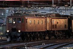Extrazug mit SBB Lokomotive / Elektrolokomotive Be 4/7 12504 ( Baujahr 1921 ) und SBB Lokomotive Ae 3/6 II 10439 ( Baujahr 1925 ) bei der Einfahrt in den Bahnhof Luzern in der Schweiz (chrchr_75) Tags: oktober train de tren schweiz switzerland suisse swiss eisenbahn railway zug swizterland 1210 locomotive christoph svizzera chemin centralstation fer 2012 locomotora tog juna lokomotive lok ferrovia spoorweg suissa locomotiva lokomotiv ferroviaria 鉄道 locomotief chrigu поезд rautatie паровоз zoug trainen железнодорожный chrchr hurni chrchr75 chriguhurni oktober2012 albumbahnenderschweiz2012712 chriguhurnibluemailch hurni121006 albumzzz201210oktober