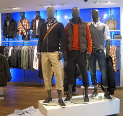 Esprit (thinkretail) Tags: store magasin lifestyle laden tienda boutique negozio redearth apparel esprit menswear visualmerchandising womenswear storebranding rangeplanning susierussel founderdougtompkins espritholdings autumn2012